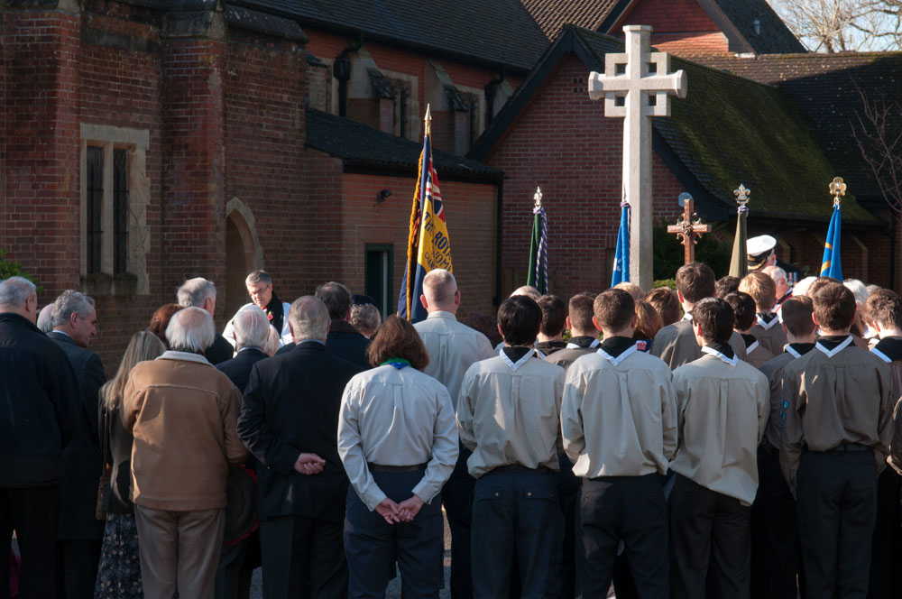 Remembrance Sunday at Chandler's Ford War Memorial, at St. Boniface Church. 9 Nov 2014. Image credit: Nigel Barker.