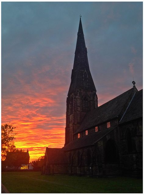 Stunning image of St Matthew's, Stockport (image by hannahtakespicture via Flickr)