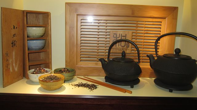 Lovely Japanese tea set at Tea Museum (Ahmad Tea)