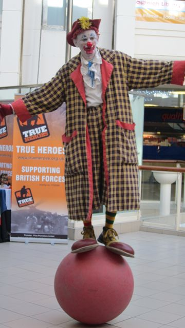 Entertainer in Swan Centre today.