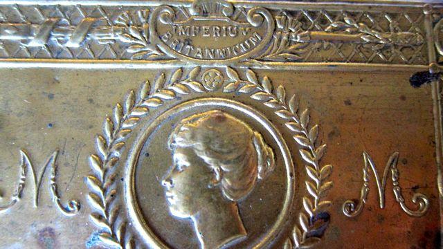 Christmas Gift 1914 tin
