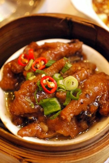 Chicken Feet: Image by Takeaway via Wikipedia.