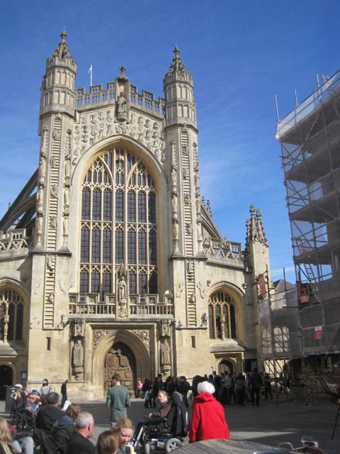 Bath Abbey with Jacob's ladders going up the west façade.