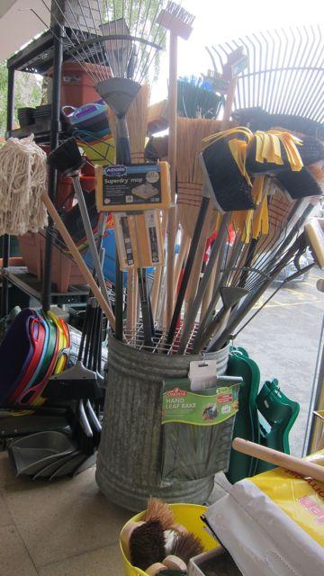 D & G gardening tools