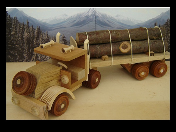 Handmade Creative Wood Decorations and Toys by Jeff Parsonson.