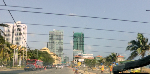 Galle face Hotel (Bottom right) now surrounded by high rise apartments.