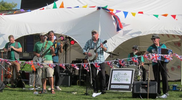 Shamrock Keys, a Hampshire based six piece Irish Band.