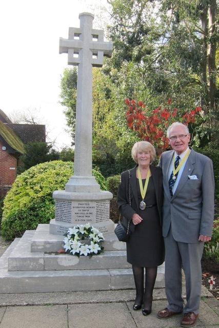 The Deputy Mayor of Eastleigh, Councillor Jane Welsh, and her escort Len Welsh.