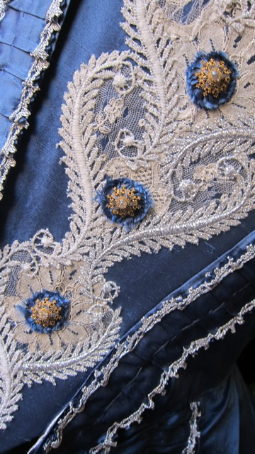 Fine details of Helen McArdle's 1760s dress. Her costume is historically correct.