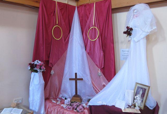 wedding dress Chandler's Ford Methodist church