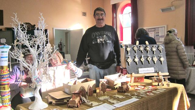 Jeff Parsonson: his wood decorations and toys are of high quality.