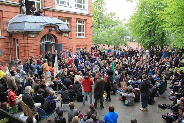 Refugees in Hamburg. Rasande Tyskar, Flickr.