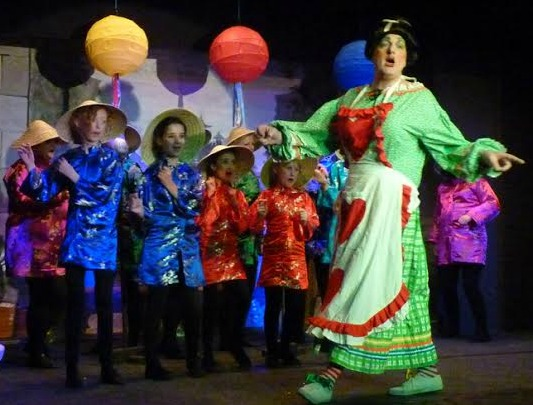 Aladdin - pantomime performed by Chandler's Ford Chameleon Theatre Company, January 2016. Widow Twankey played by Dave Wilkins.