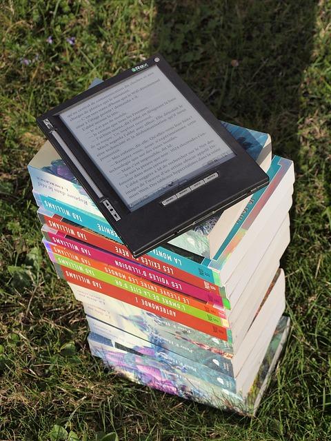 Books paperback and ebooks via Pixabay