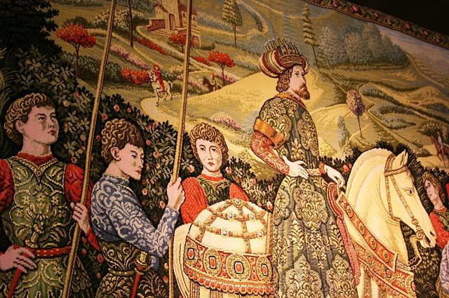 Tapestries tell stories via Pixabay