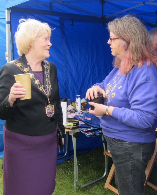 "Eastleigh Mayor Councillor Jane Welsh talks to Jean Roberts-Jones of <a href=""http://1community.org.uk/"">One Community</a>."