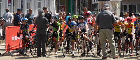 Start line-up. Cycle races in Winchester