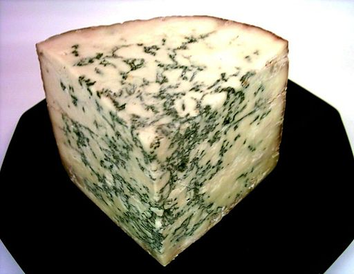 Blue Stilton Dominik Hundhammer, via Wikimedia Commons