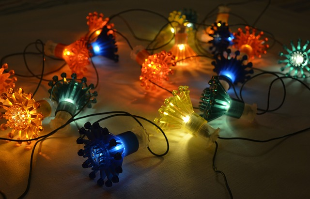 Christmas Tree Lights - Image via Pixabay