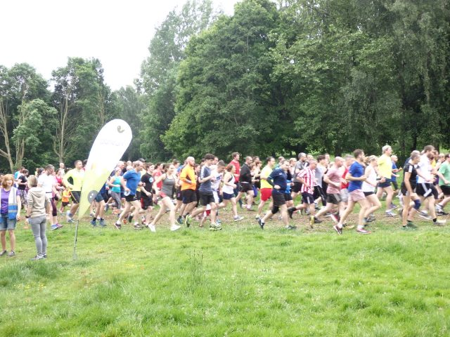 A few hundred people set off at the start of Eastleigh parkrun