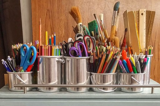 Tools of the artist's trade - image via Pixabay