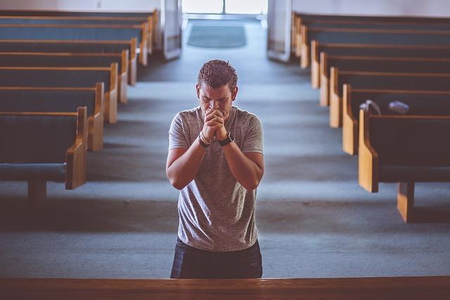 praying image by pexels Pixabay