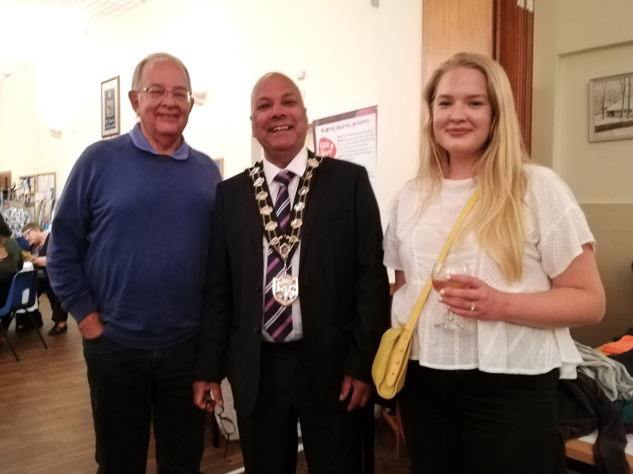 Eastleigh's Mayor Councillor Darshan Mann with Duncan and his daughter Sophie.