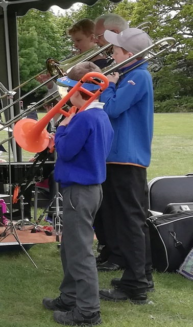 Someone told me this orange thing is a plastic trombone.