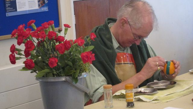 Alan Page: Making an orange Pomander.