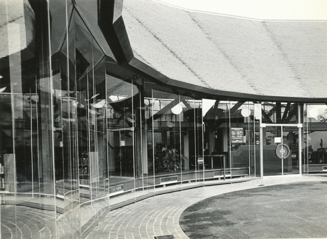 19 May 1983. Chandler's Ford Library. Image via Eastleigh Local History Society.
