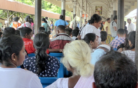 Colombo Fort Station can be very busy.