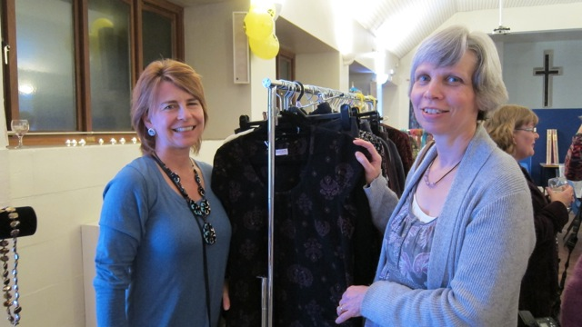 (Left) Alli Noel helped selling Nomads Fairtrade clothing. With Christine Slatcher.
