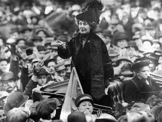 By Topical Press Agency, photographer unknown (Hulton Archive - Getty Images) [Public domain], via Wikimedia Commons. After selling her home, Pankhurst travelled constantly, giving speeches throughout Britain and the United States. One of her most famous speeches, Freedom or death, was delivered in Connecticut in 1913. Emmeline Pankhurst addresses a crowd in New York City in 1913.