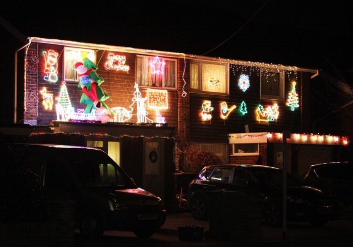 Christmas decorations 2014 in Chandlers Ford, Hiltingbury & Valley Park. Image: Tony Smith.