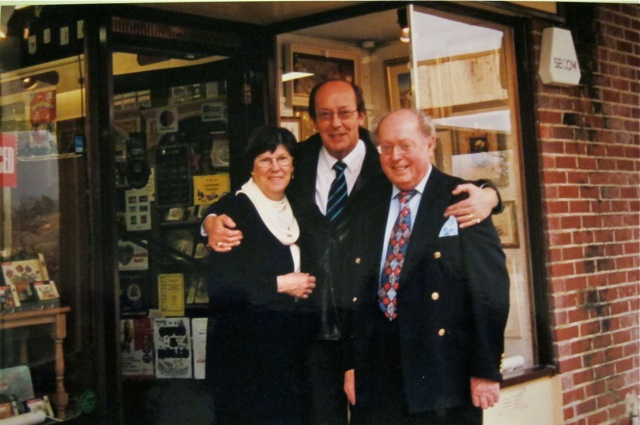 Best Neighbours - with ITV news presenter Fred Dinenage.