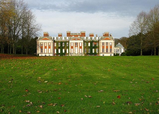 "Hursley House by <a href=""https://www.flickr.com/photos/graham_alton/3045899168/in/set-72157610612886435"">Graham Alton</a> via Flickr."