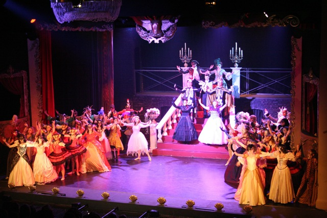 Talented actors and actresses from Centrestage Chandler's Ford received rave reviews of their outstanding performances of the Phantom of the Opera.
