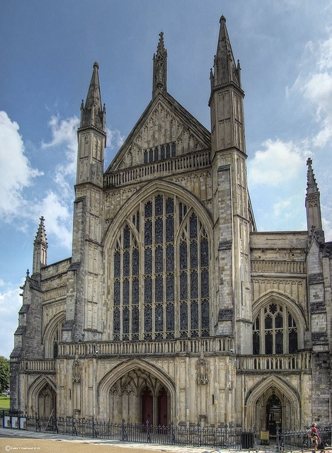Winchester Cathedral image by Peter via Flickr.