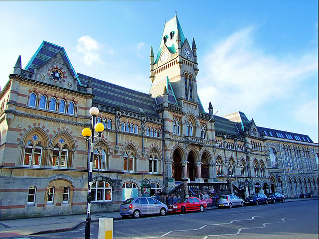 "Wiinchester Guildhall by <a href=""https://www.flickr.com/photos/neilsingapore/2095770815/in/photostream/""> Neil Howard</a> via Flickr."