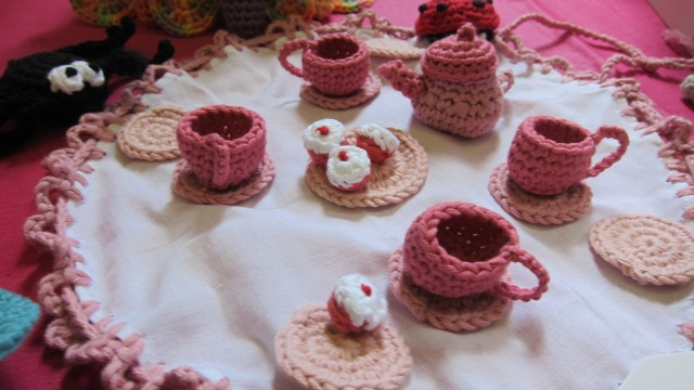 Lovely knitted tea set by Jane Duxbury.
