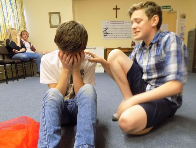 Arcade Youth Theatre: a devised task about fitting in.