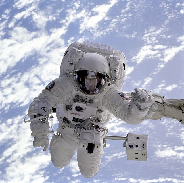 Astronaut - inspiration for Major Tom via Pixabay