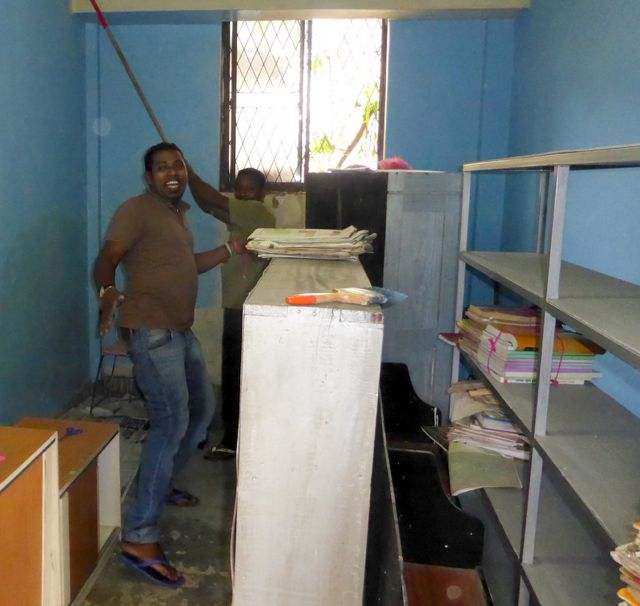 Manj and Ajith get to work to help this Sri Lanka school's library.