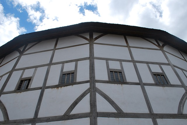The Globe Theatre - image via Pixabay