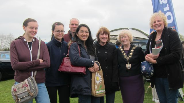 Eastleigh Mayor Councillor Jane Welsh with local residents and students. Fryern Funtasia 2016.