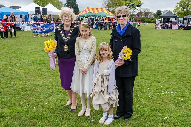 The newly crowned May Queen, Florrie T and May Princess, Skye A from Fryern school with the Mayor of Eastleigh, Councillor Jane Welsh, and the Chairman of Chandlers Ford Parish Council, Margaret Atkinson. Image credit: Daniel Newcombe.