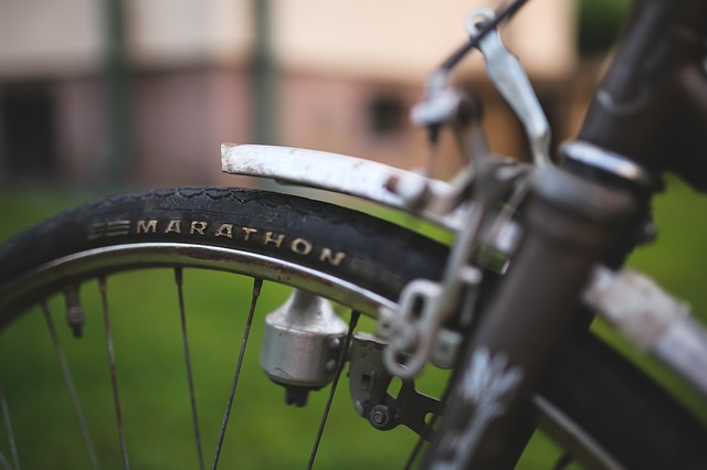 Bicycle - showing Marathon in text, image by kaboompics via Pixabay.