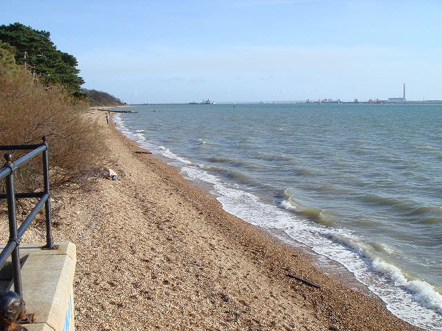 "Beach at Netley. Image by <a href=""https://www.flickr.com/photos/rolymo/416598454/in/photolist-CPbcY-aChb4F-aChaXP-aChaBk-5pWy1Y-pYZkK-pSo5W-GPg2h-pSo53-pSo3m-pSo4f-pSo8f-pSo2o-2tzea-2tze9-nG1Du3-CPaK2-CP9rJ-CPaYr-CP9Eu-CPbti-CPc1k-CPdm7-CPcCu-CP9XH-CPcRB-CP9d6-CP8Vq-CPard-CPa4g-CPbJh-CPcxv-CPdBq-CP8rm-CPdxQ-CPch8-CP8FV-CPbzu-CP9Km-9Ai1Yf-52Wmx-dhgRQ1-dhgSqL-2duVfa-dhgXdh-2duPv6-2duTYM-9Ai1Ys-9Ai1Ym-d1VbJq"">Roland Harvey</a> via Flickr."
