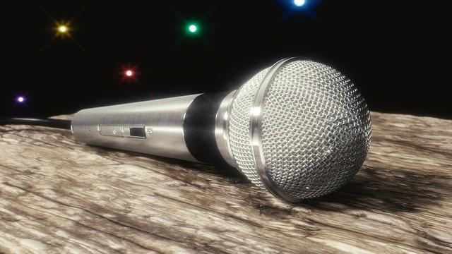 Microphone - image via Pixabay