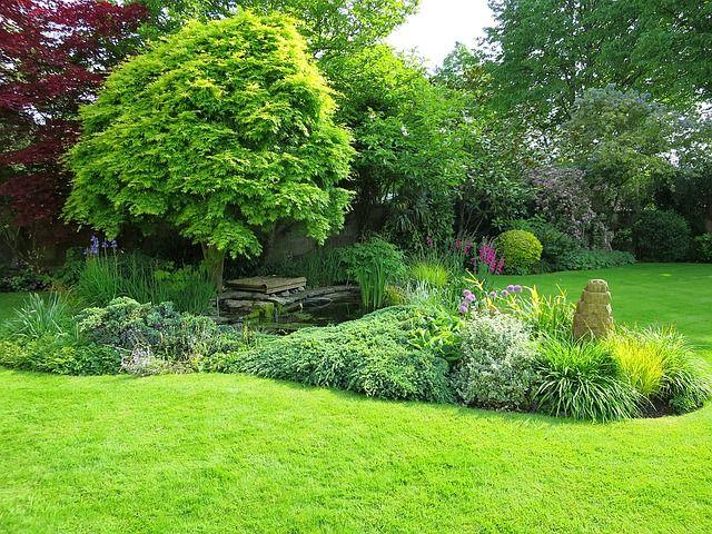English garden by Suesun via Pixabay